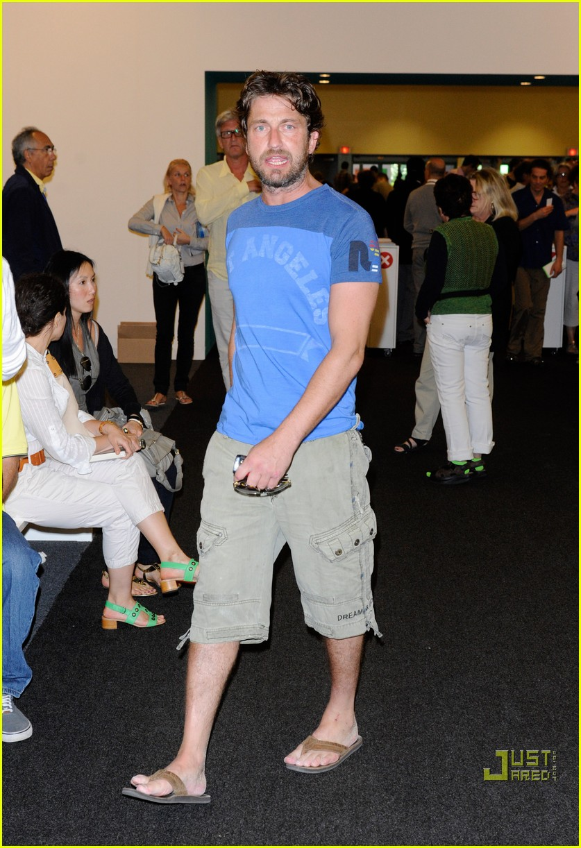 gerard butler photographer fun 02
