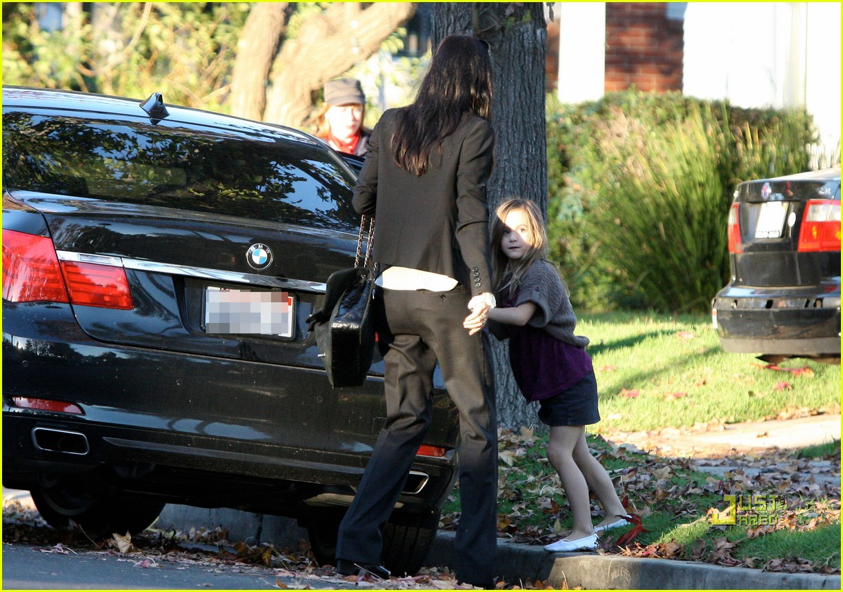courteney cox christmas eve party 02
