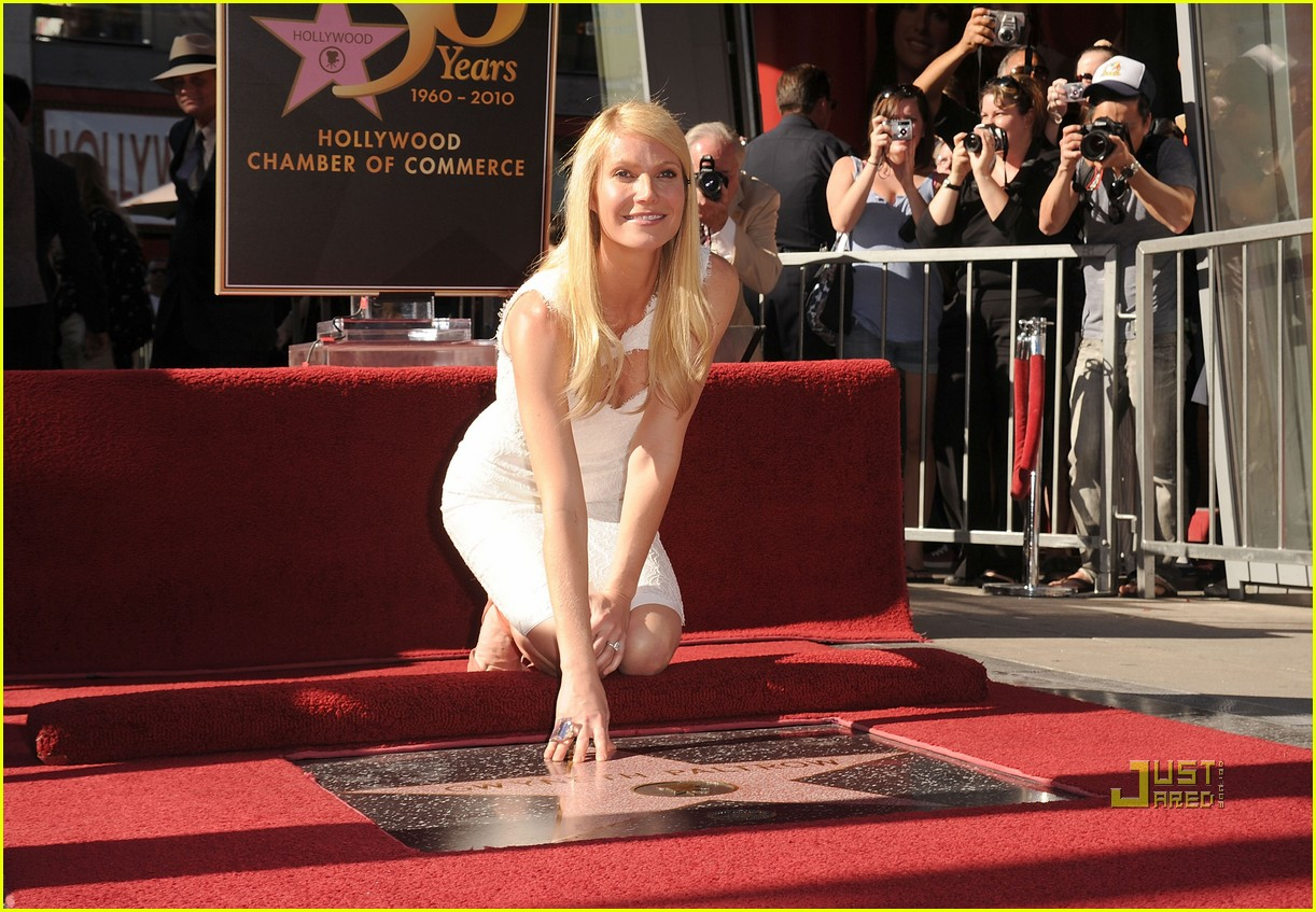 Full Sized Photo of gwyneth paltrow hollywood walk of fame ...