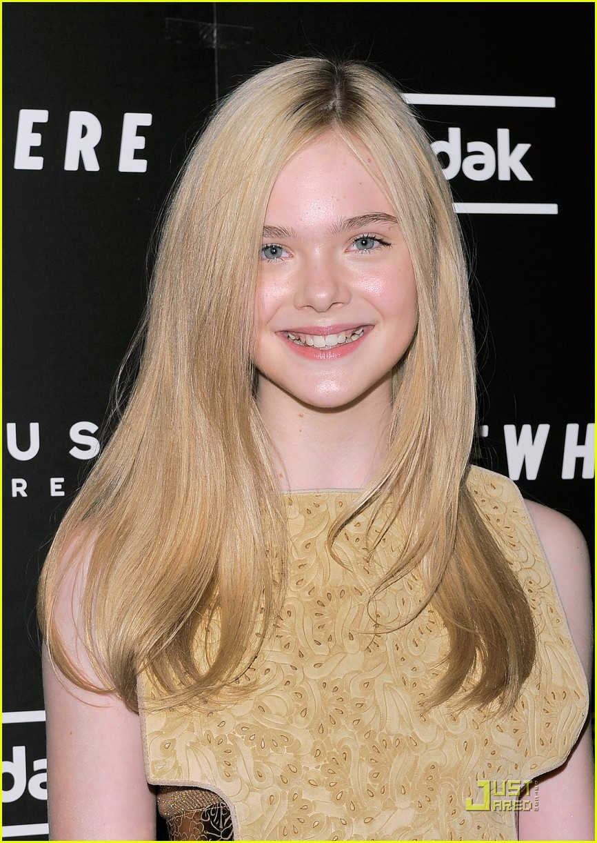 elle fanning somewhere nyc premiere 07