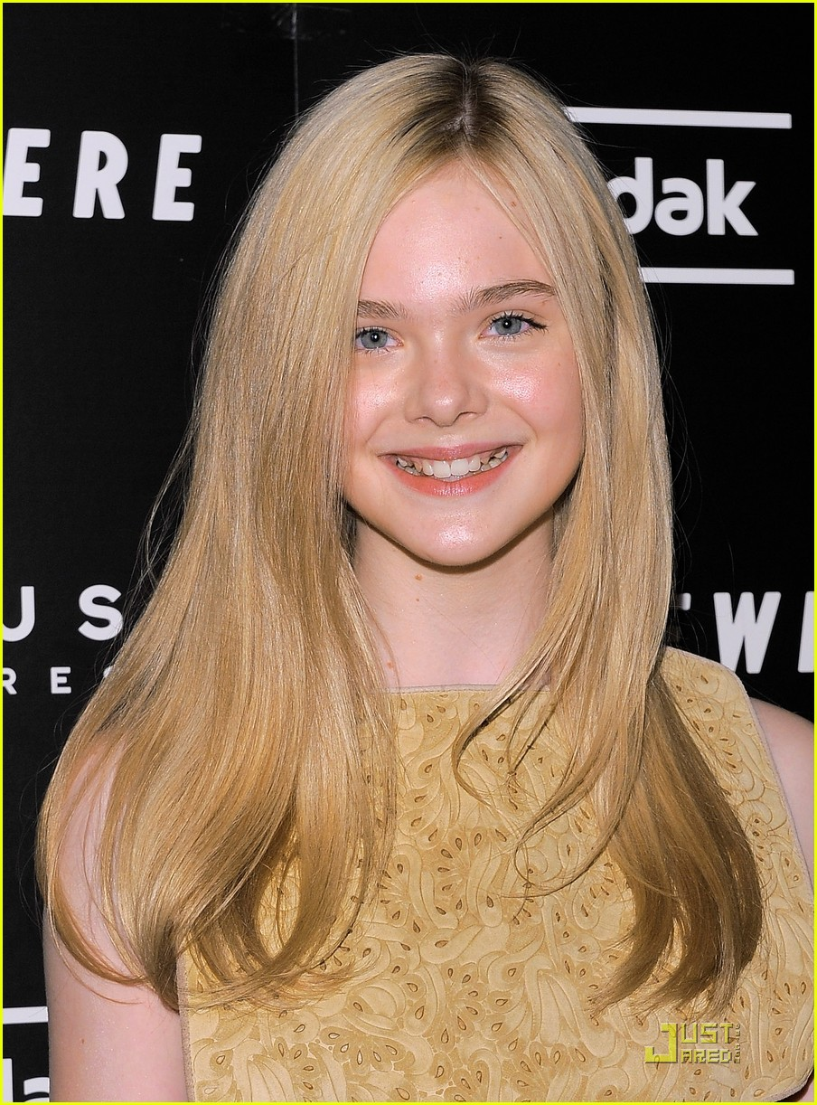 elle fanning somewhere nyc premiere 082503132