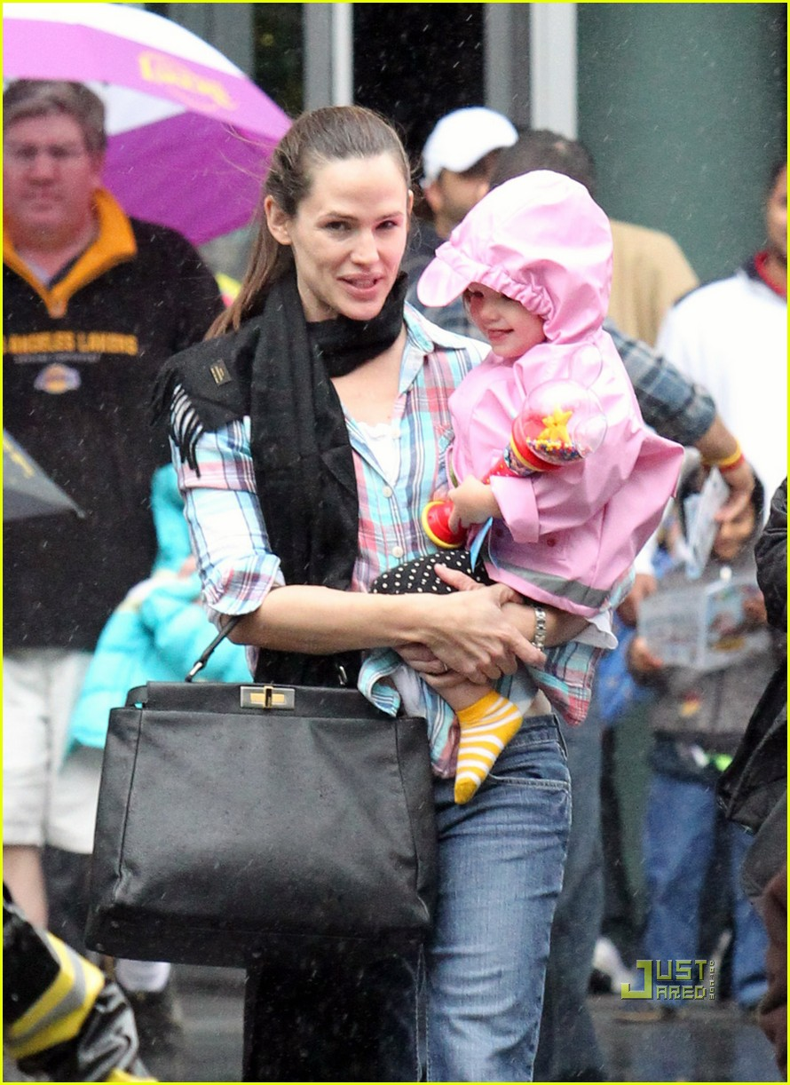 jennifer garner disney on ice 022505114