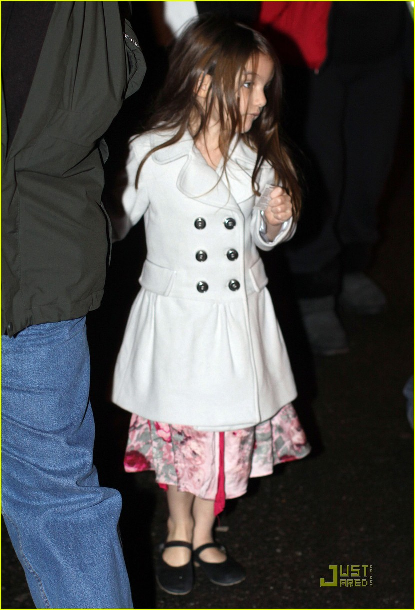katie holmes suri cruise christmas train twosome 022504605