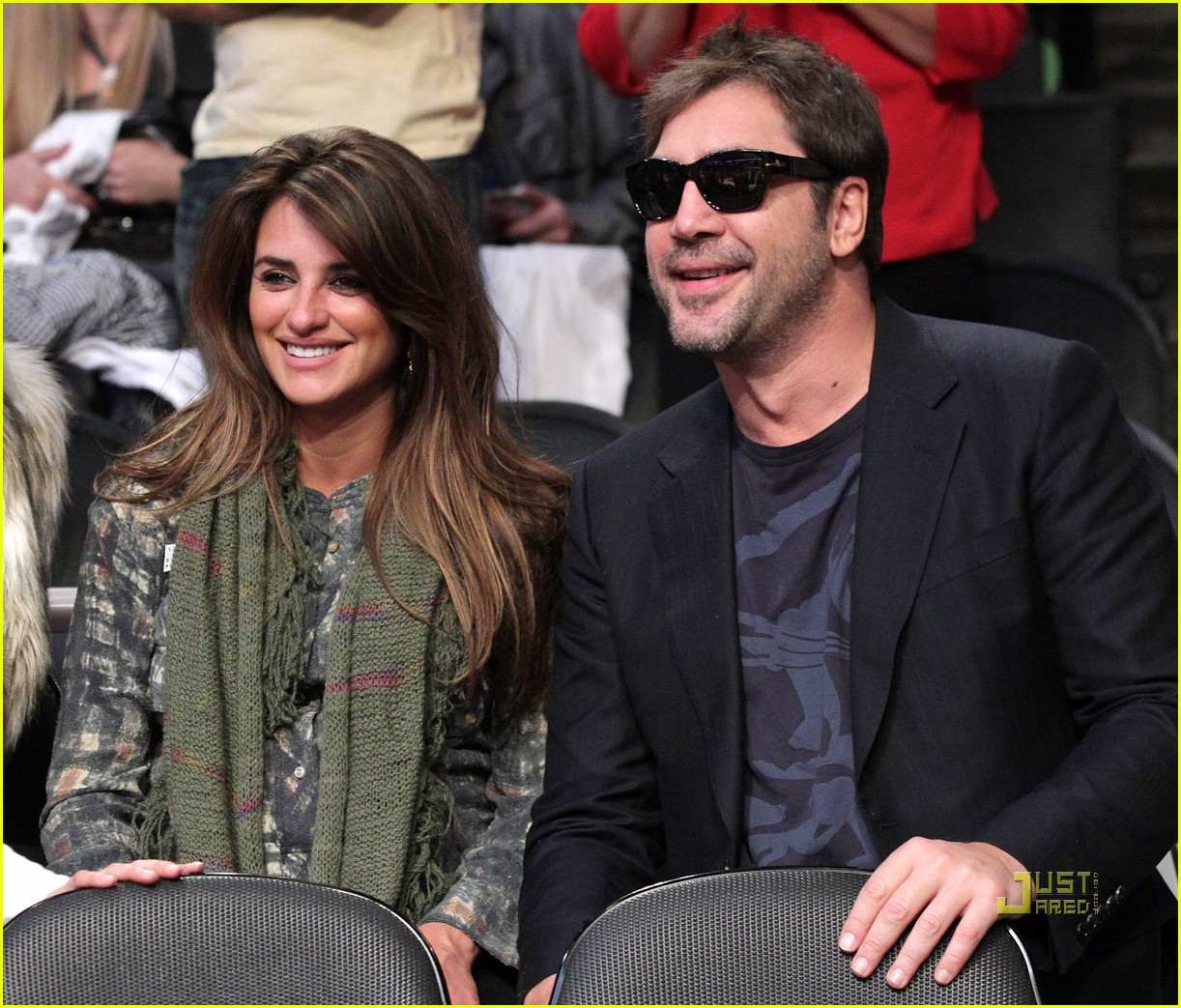 javier bardem lakers game penelope cruz 01