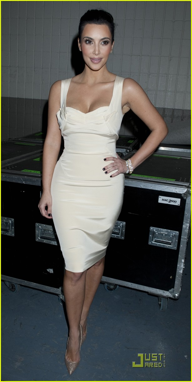 kim kardashian z100 jingle ball 2010 02