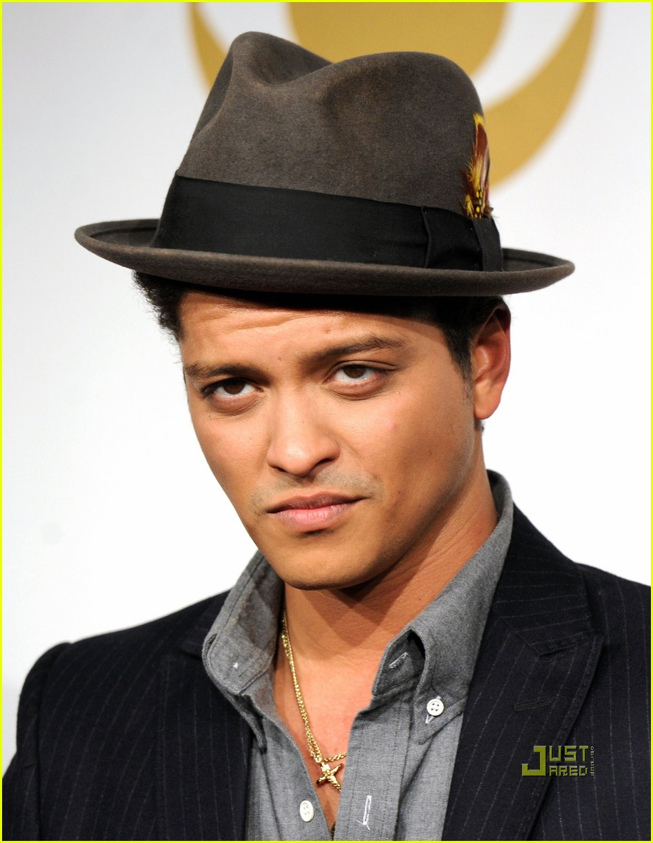 bruno mars new years eve 02