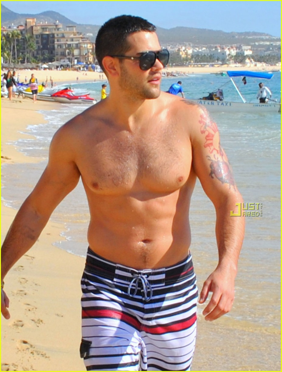 jesse metcalfe shirtless cabo 02