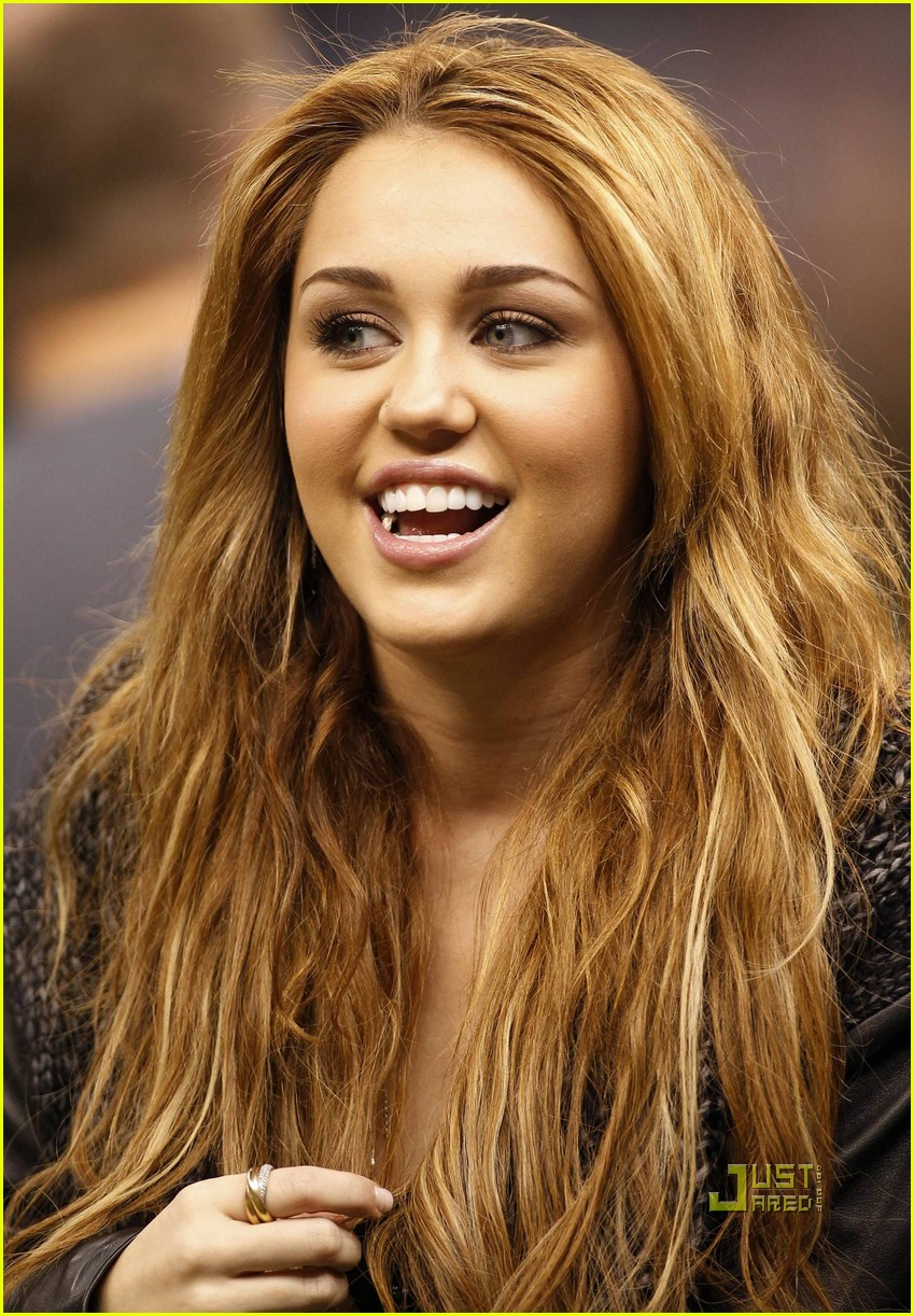 miley cyrus undercover set 20