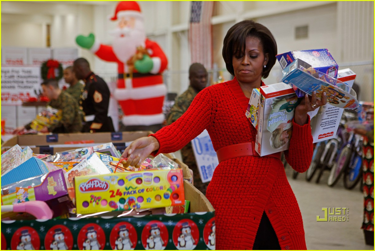 michelle obama toys for tots 03