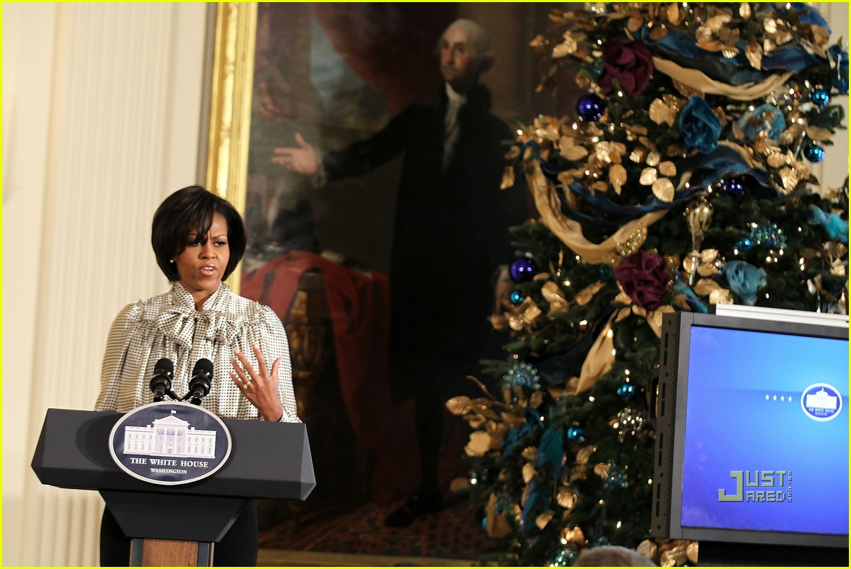 michelle obama toys for tots 09