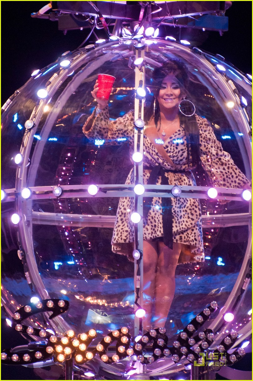 snooki new years eve ball drop preview 06