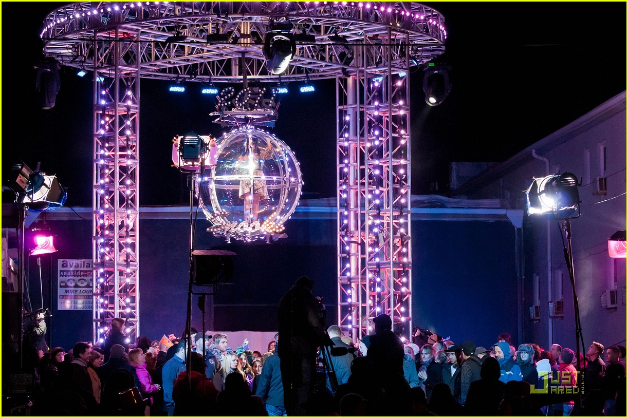 snooki new years eve ball drop preview 082507302