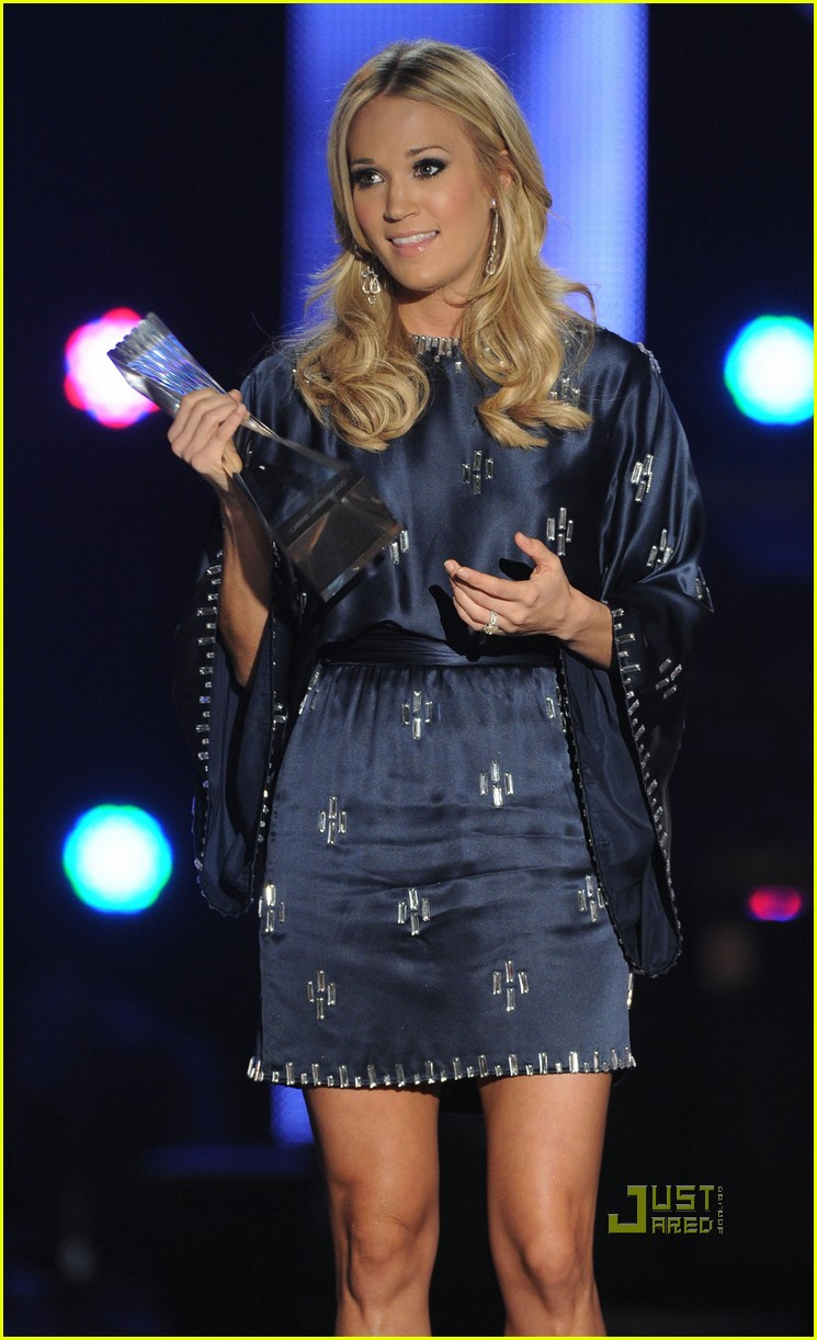 taylor swift carrie underwood cma artists of the year 02