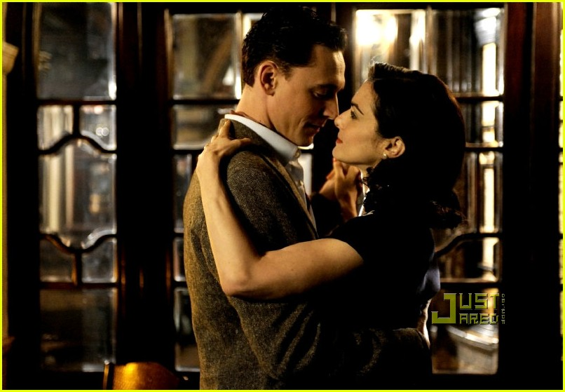 rachel weisz first look deep blue sea 01