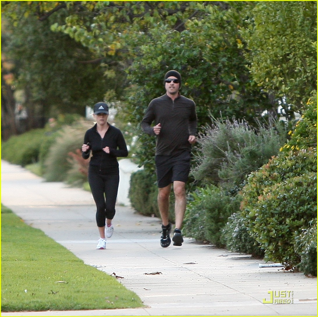 reese witherspoon jim toth jogging 052507422