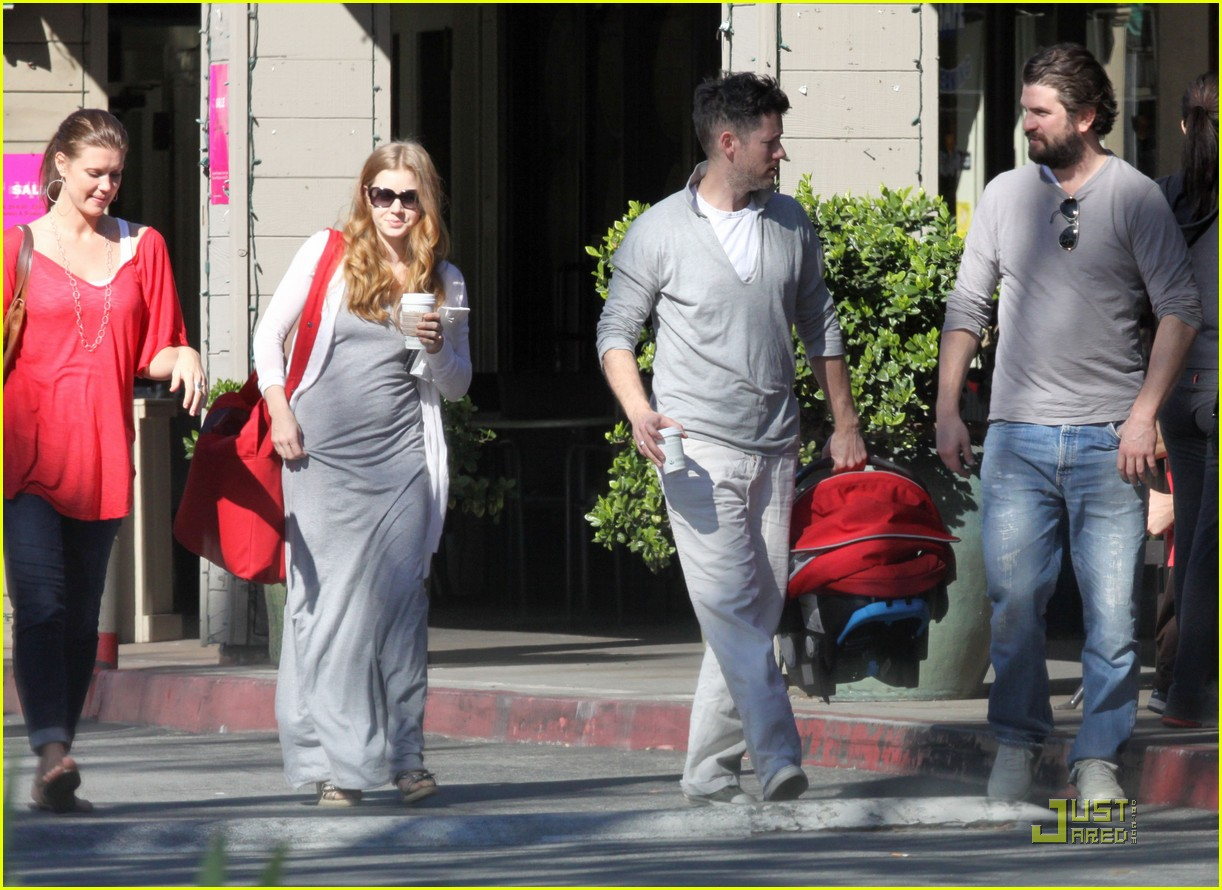 amy adams breakfast with darren and aviana 11