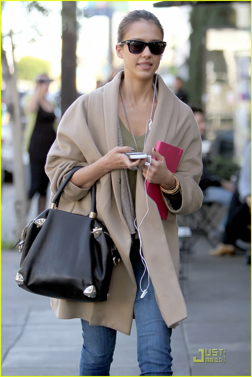 jessica alba joans on third 052510797