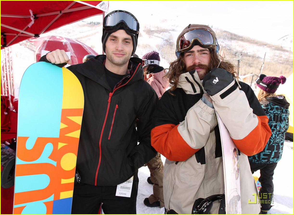 penn badgley snowboarding 09