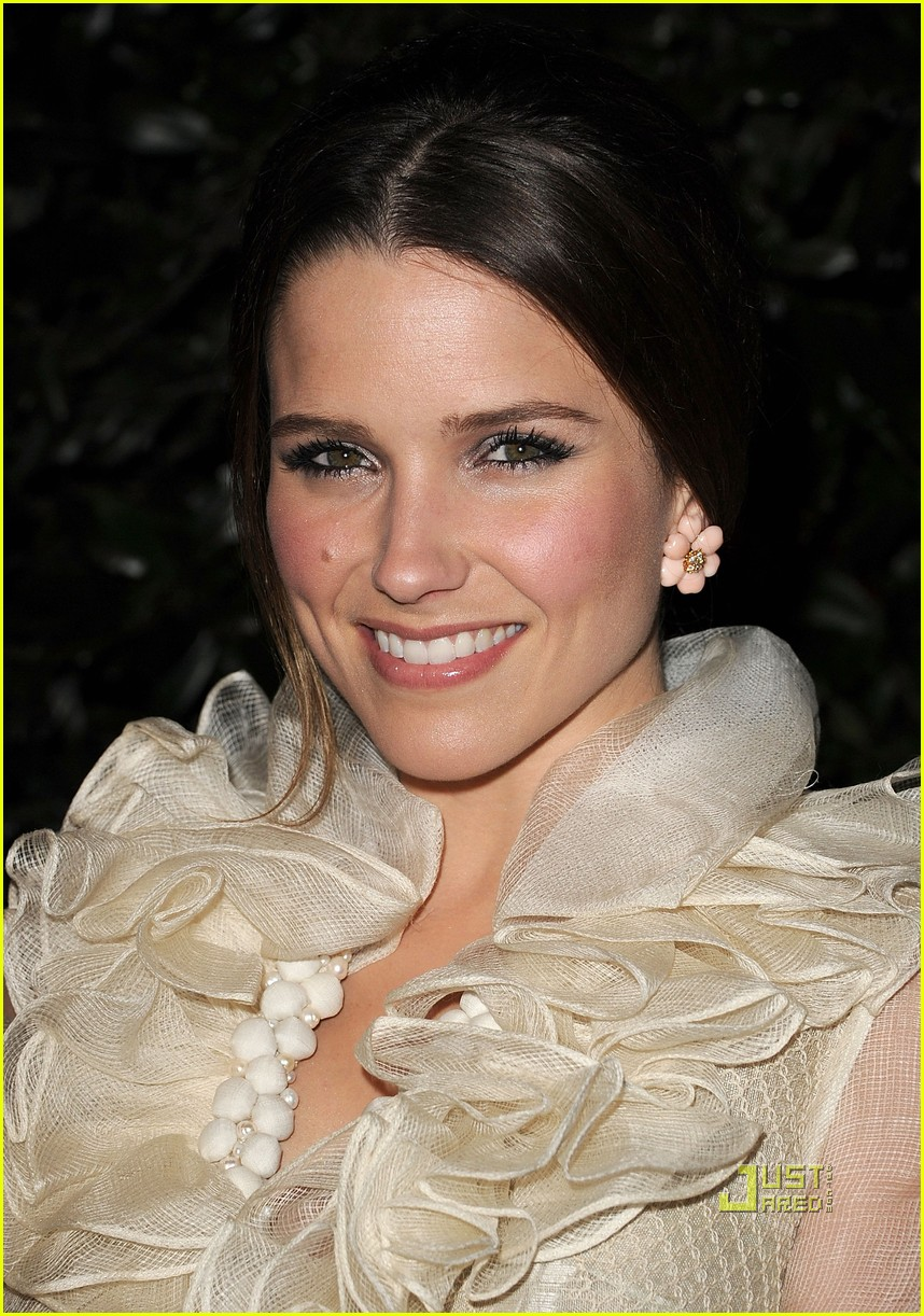 sophia bush audi jmendel party 01