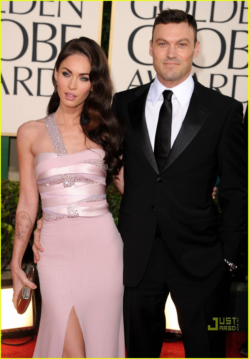 megan fox golden globes red carpet 2011 06