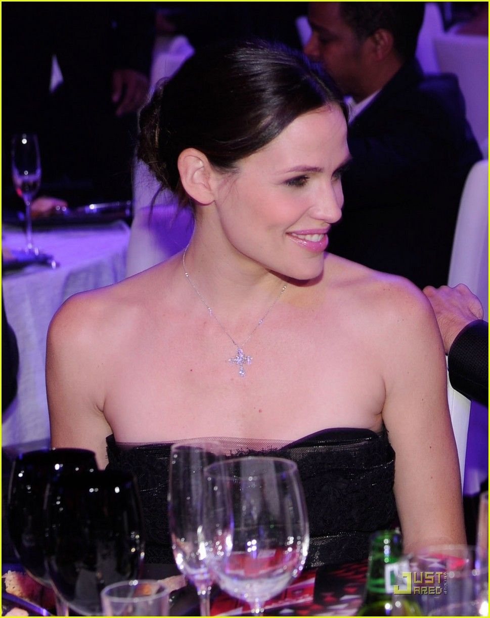 jennifer garner critics choice 03