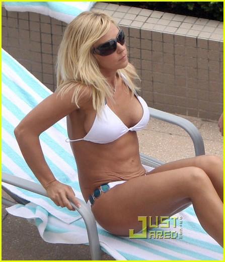 Full Sized Photo Of Kate Gosselin Bikini Babe 02 Photo 2508267 Just Jared