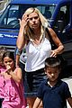 kate gosselin new zealand sight seeing 02