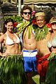 jennifer love hewitt alex beh hula in hawaii 07