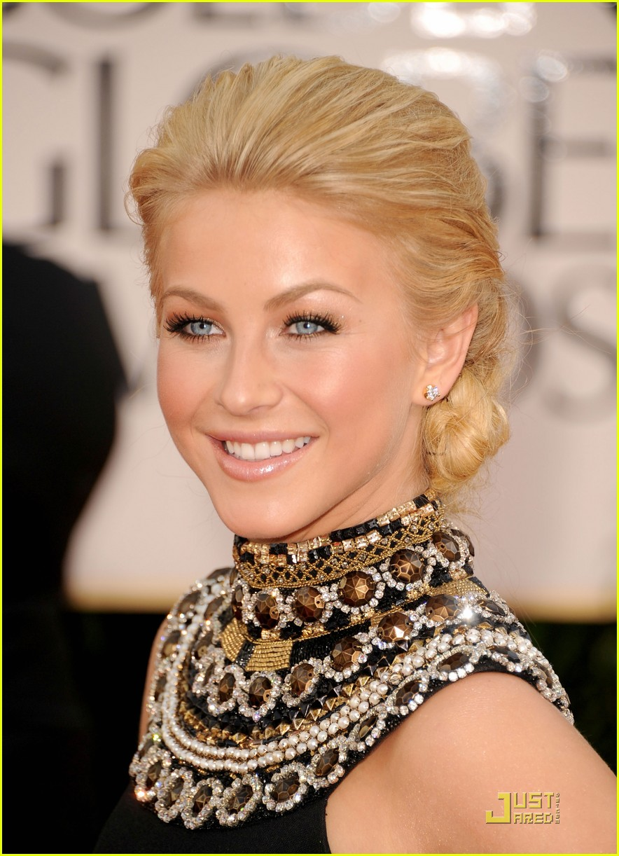 julianne hough golden globes 01