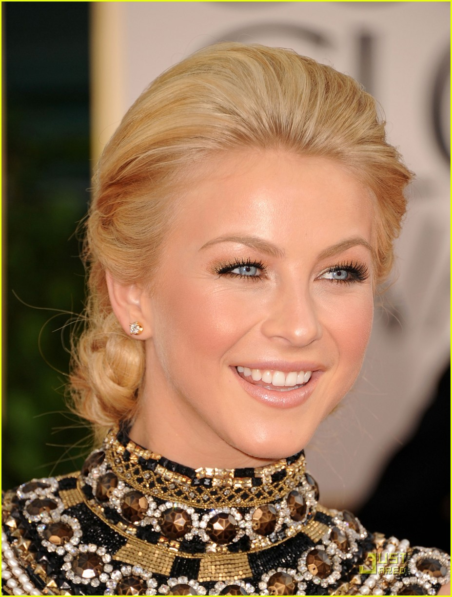 julianne hough golden globes 06
