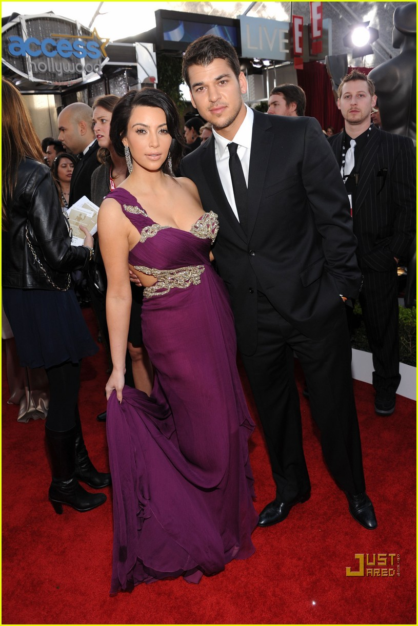 kim kardashian sag awards 2011 01