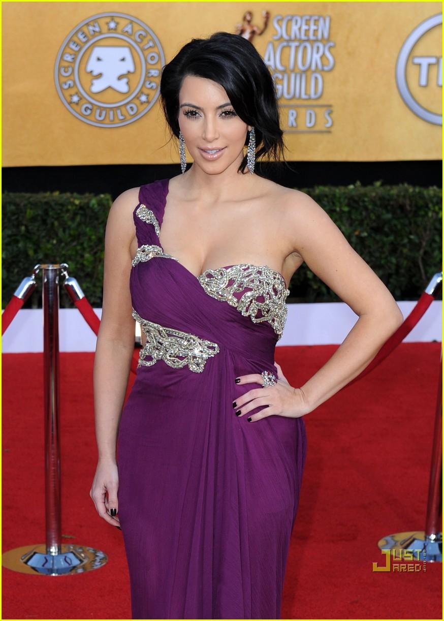 kim kardashian sag awards 2011 09