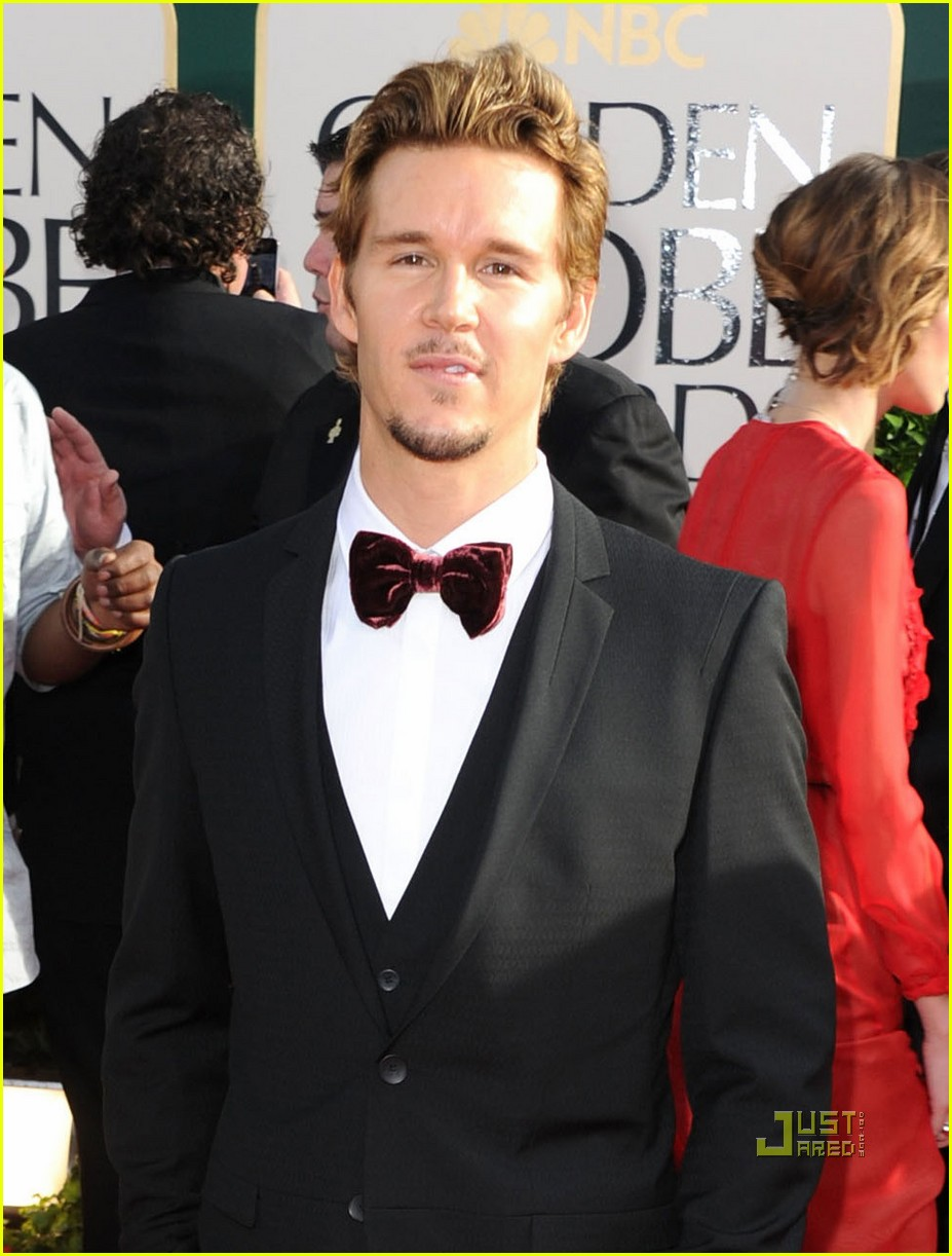 ryan kwanten 2011 golden globes red carpet 10