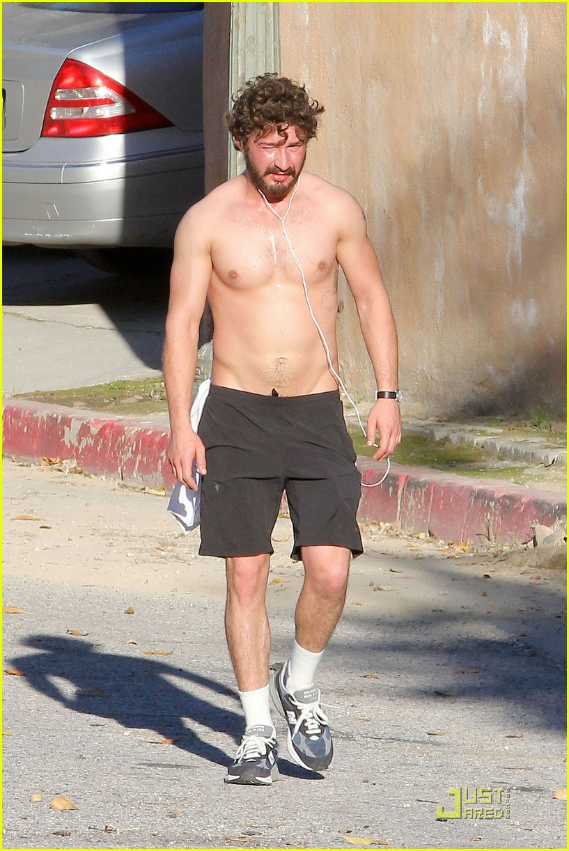 shia labeouf shirtless run 05