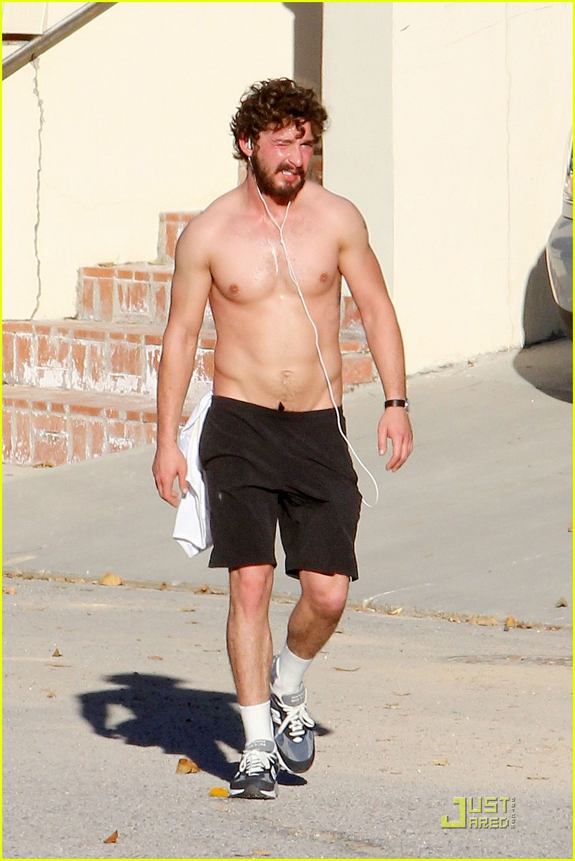 shia labeouf shirtless run 08