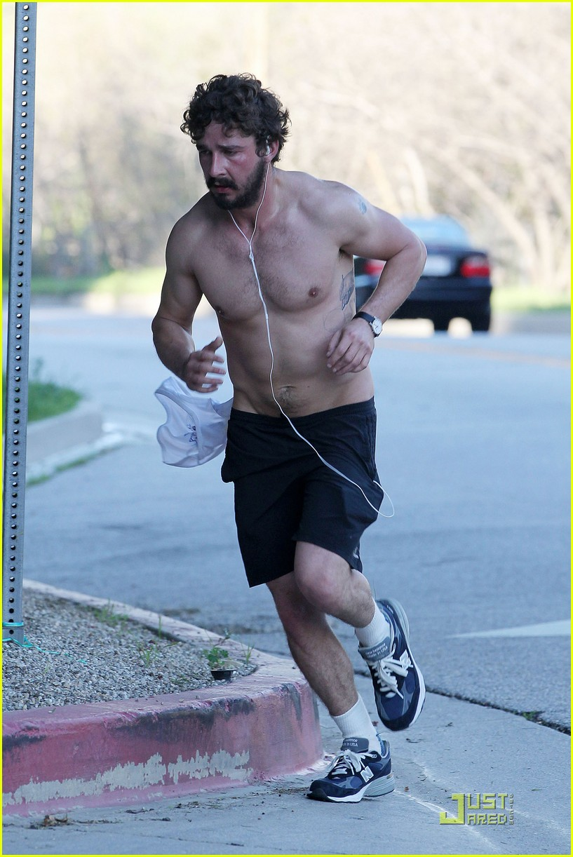 shia labeouf shirtless run 10