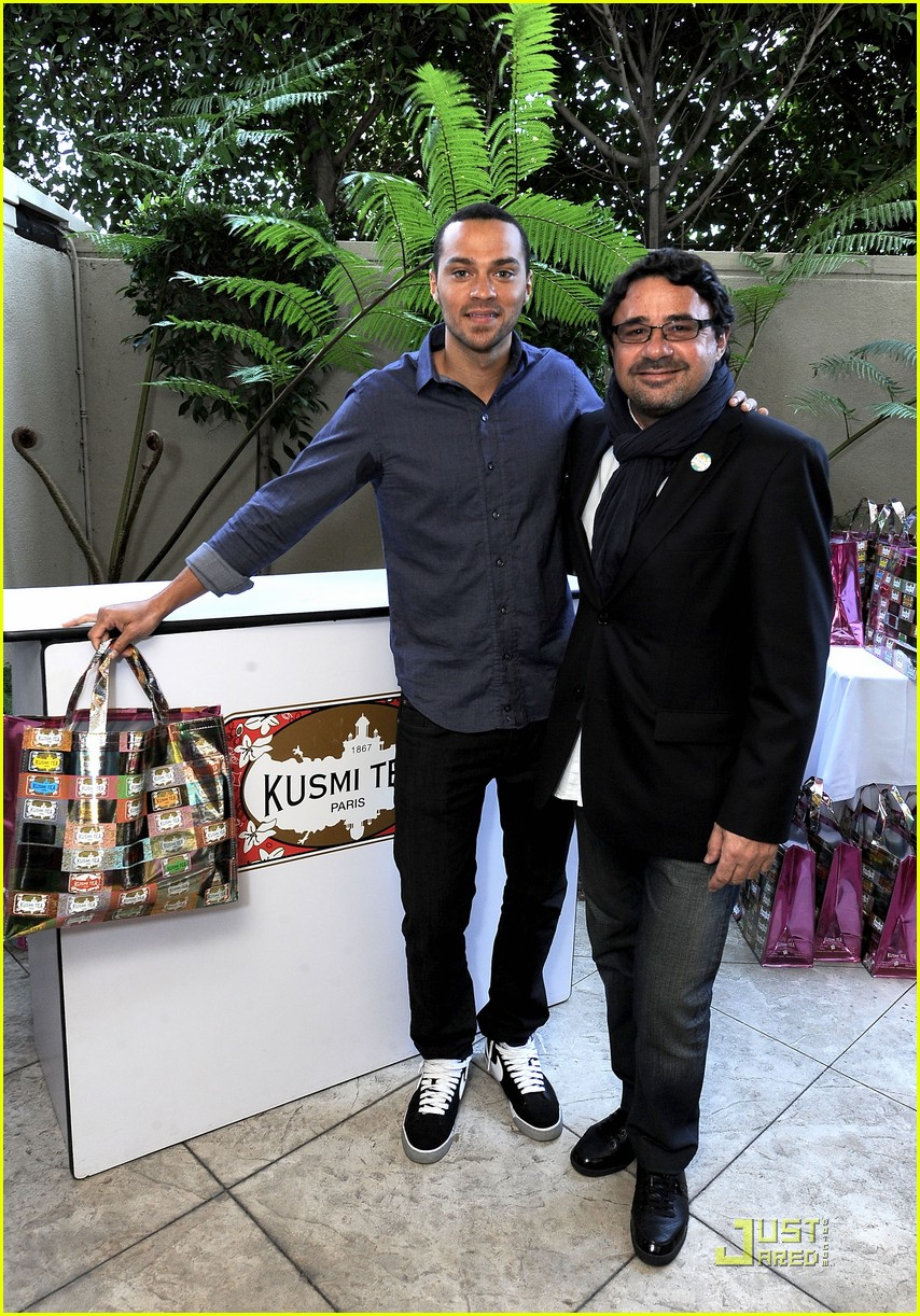 jadam lambert jesse williams golden globe gift suite 02