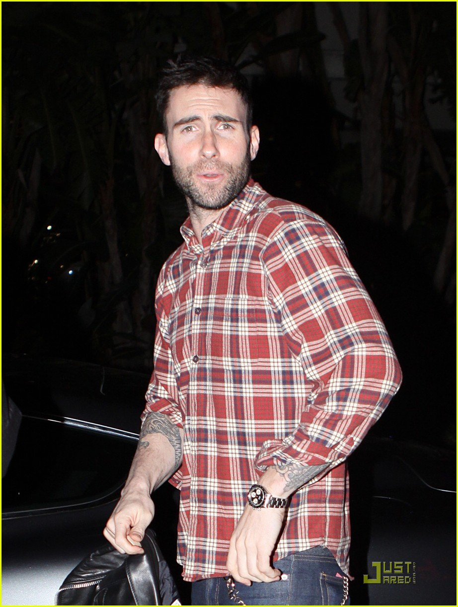 adam levine wears clothes for dinner 022509190