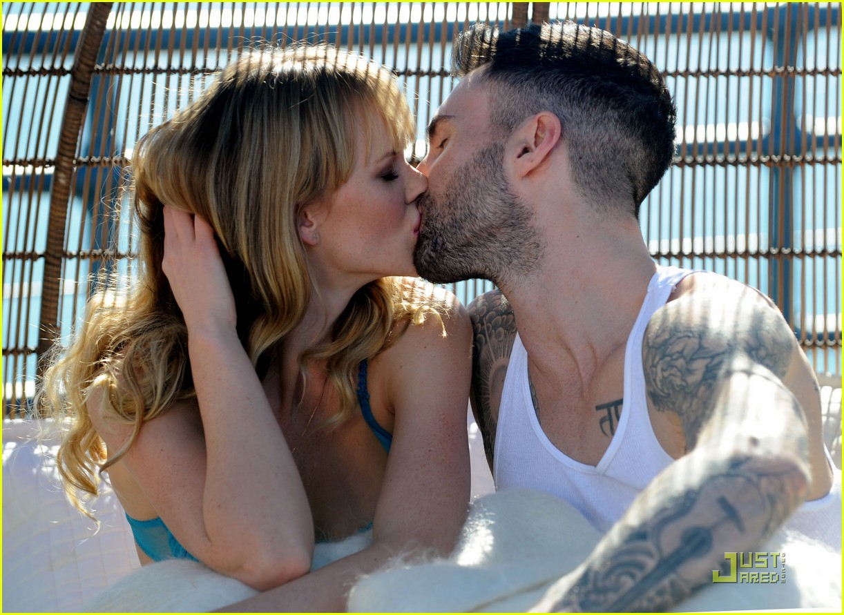 adam levine anne vyalitsyna music video 02