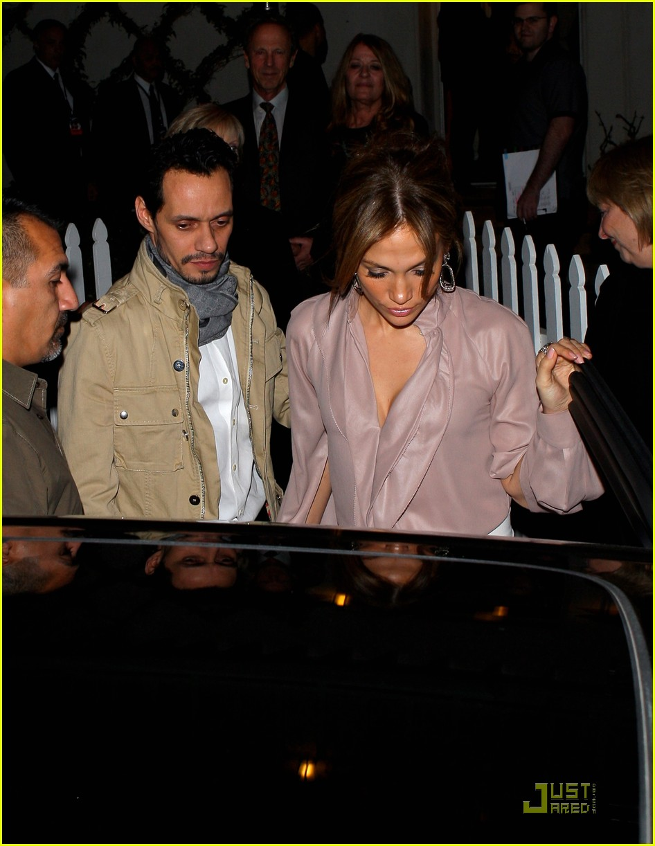 jennifer lopez marc anthony john travolta kelly preston dinner 042515121