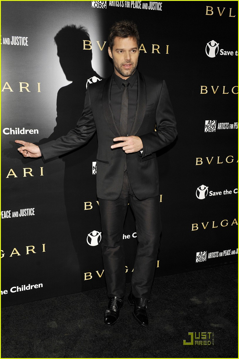 ricky martin chace crawford artists for peace 01
