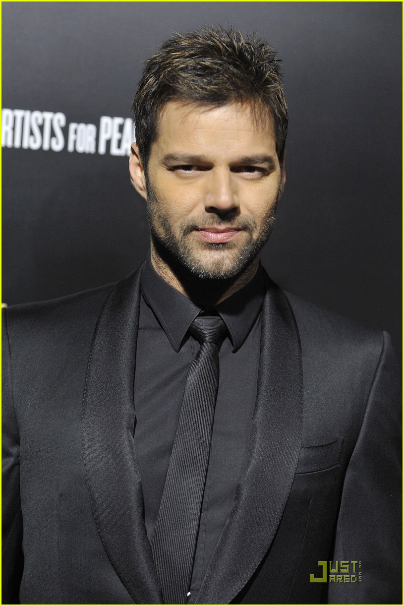 ricky martin chace crawford artists for peace 06