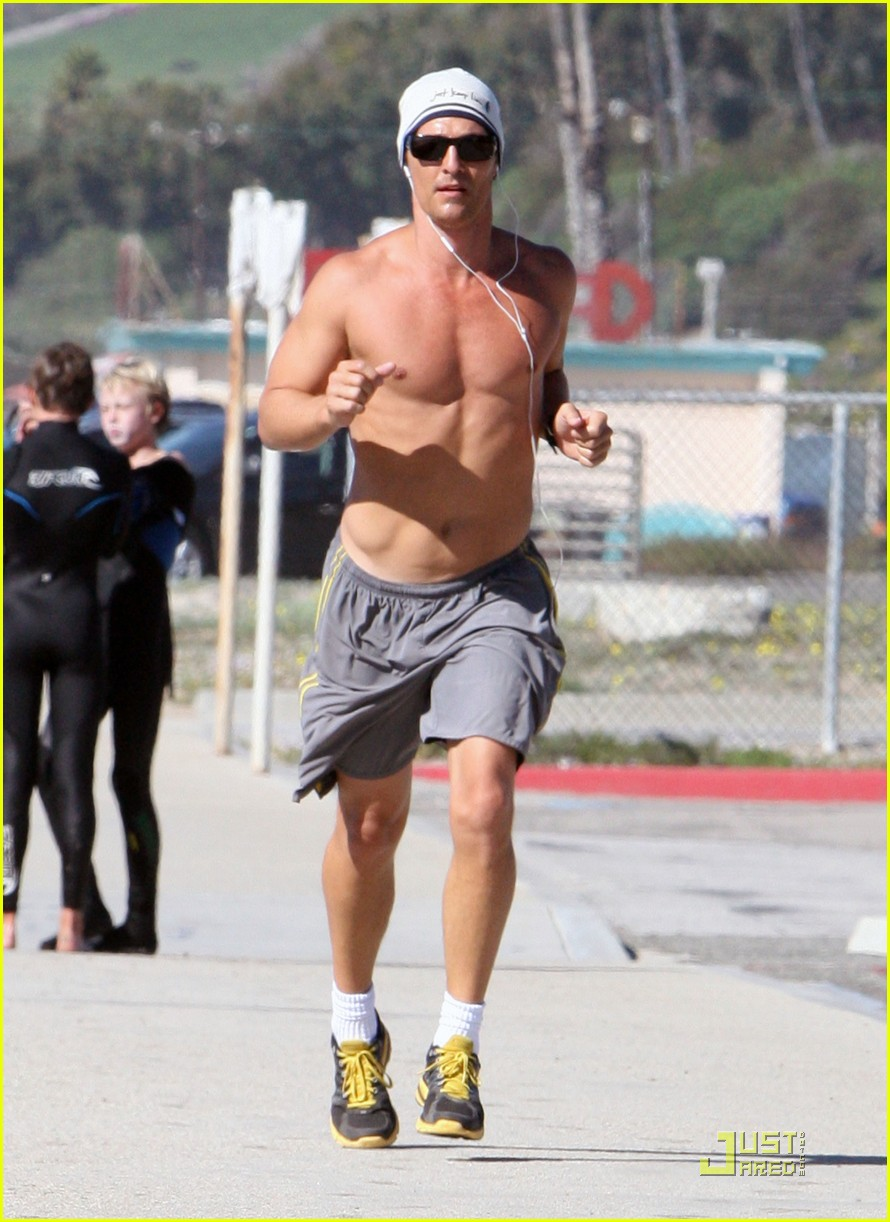 matthew mcconaughey shirtless beach run 142514037