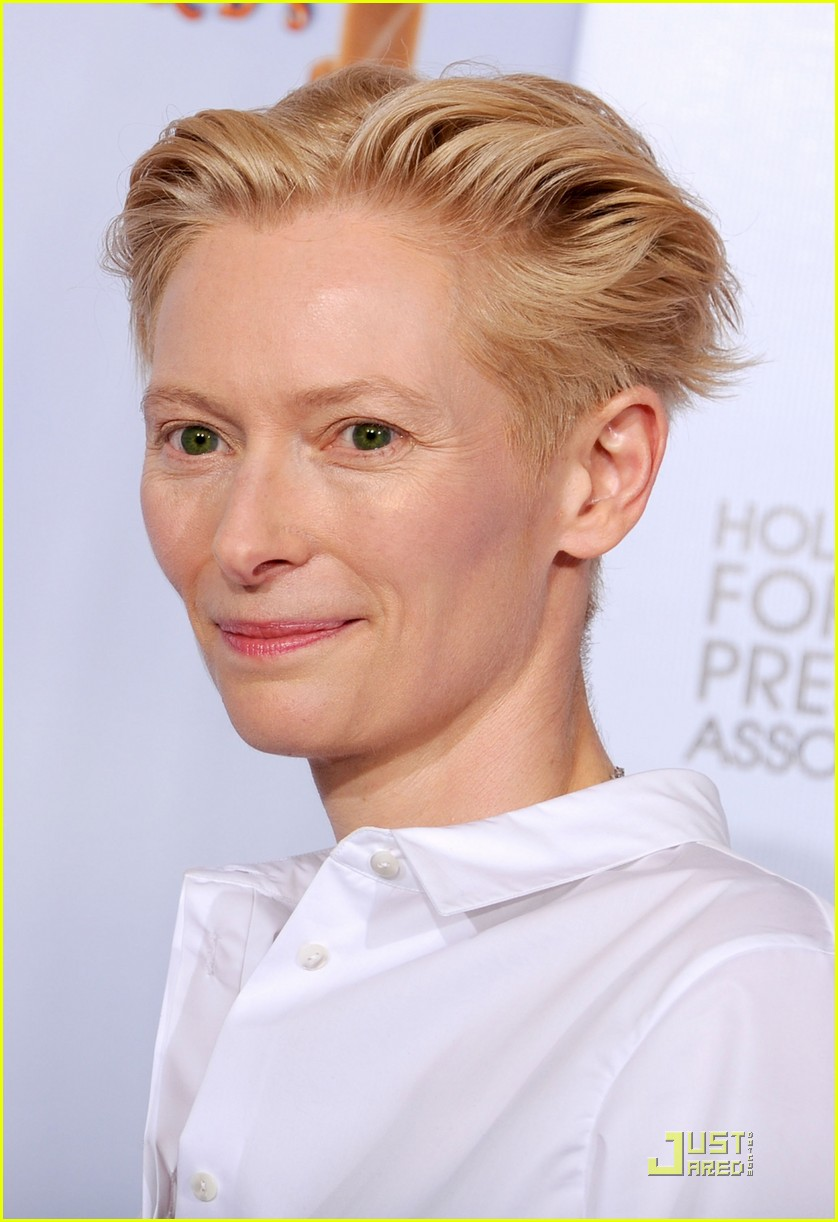 helen mirren tilda swinton golden globes 142512334