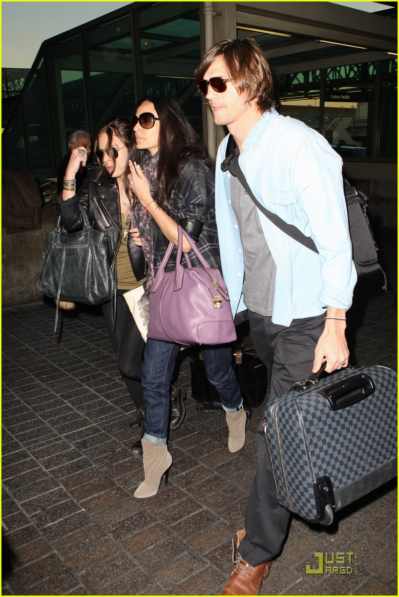 demi moore ashton kutcher en route to brazil 09