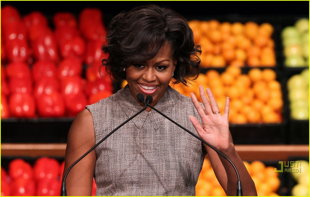 michelle obama china red 06