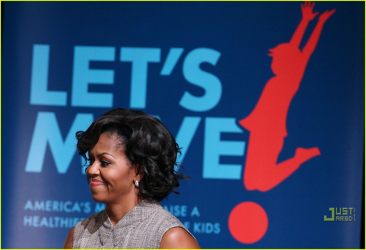 michelle obama china red 09