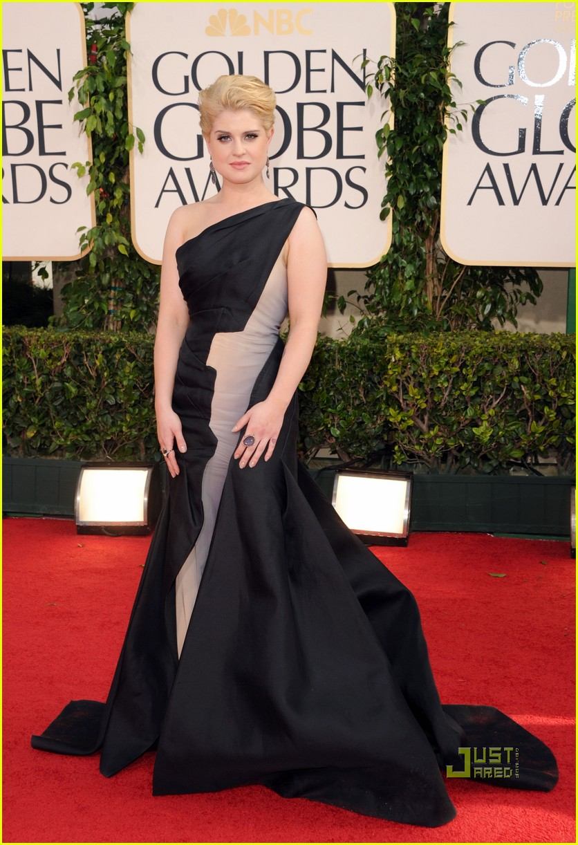 kelly osbourne golden globes red carpet 2011 022511653