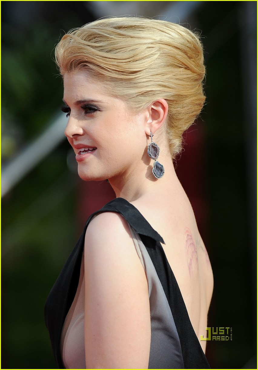 kelly osbourne golden globes red carpet 2011 03