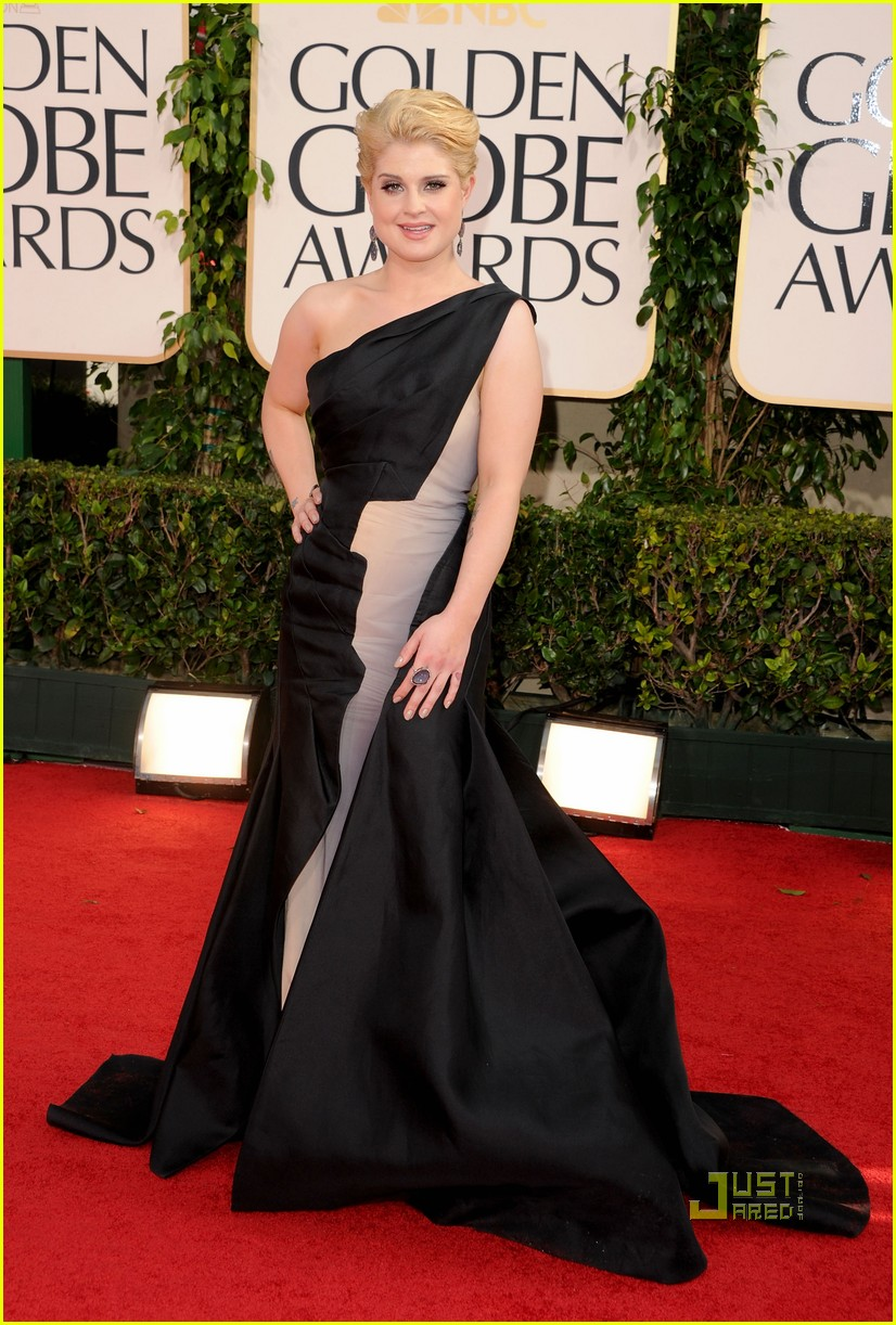 kelly osbourne golden globes red carpet 2011 04